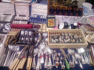 We always forget how much cutlery meant to the English. Great swathes dot vintage markets.