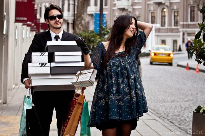 Kadınlar ve Erkekler Birlikte Alışverişe çıkarsa