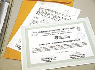 Feira de Santana: Mulher é presa com certificados de conclusão do ensino médio falsos
