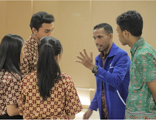 Belajar: Bahasa Indonesia yang Baik dan Benar Itu yang Bagaimana? oleh Martin Karakabu guru Bahasa Indonesia SMTK Bethel Jakarta dan SMA Kanaan Jakarta