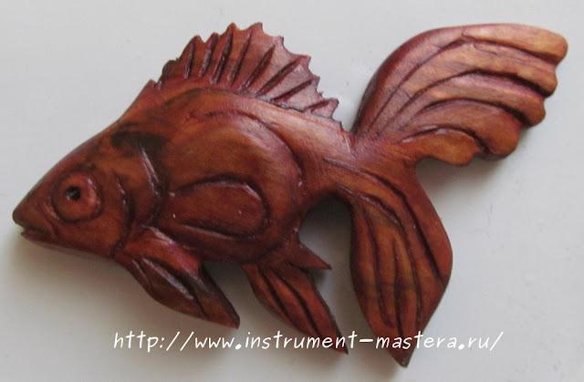 магнитик - золотая рыбка из дерева