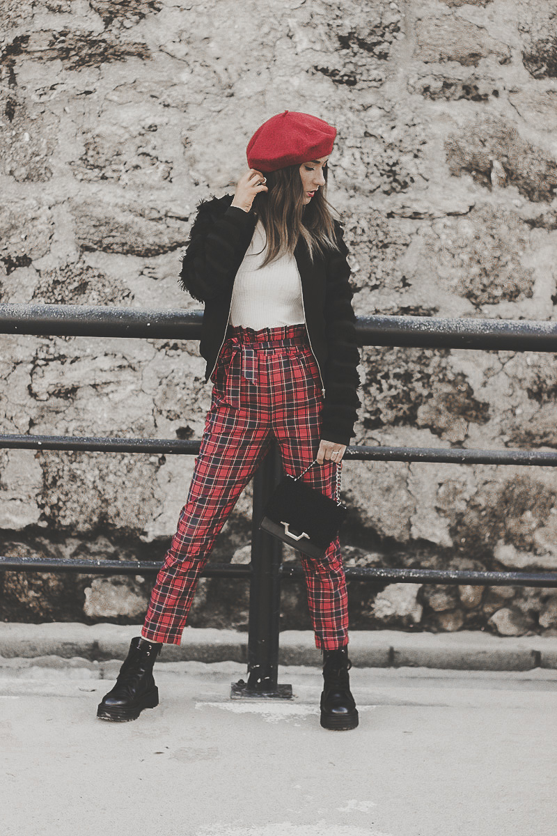 pantalón estampado escocés
