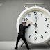 8 Συνήθειες που θα πρέπει να διαγράψετε από τη ζωή σας (είναι απλά χάσιμο χρόνου)