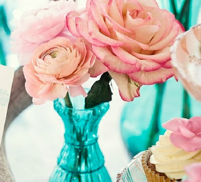 pink and turquoise centerpieces