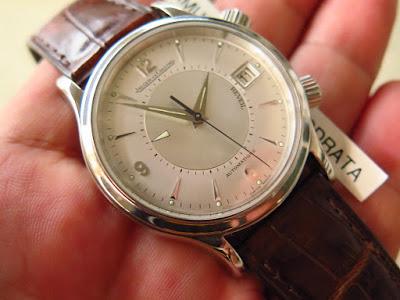Cocok untuk Anda yang memang sedang mencari jam tangan dengan fitur  mechanical Alarm dengan bunyi kencang mirip alarm lonceng jam weker 815c5d2425