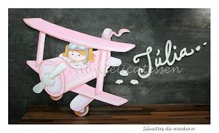 silueta infantil madera avioneta con niña babydelicatessen