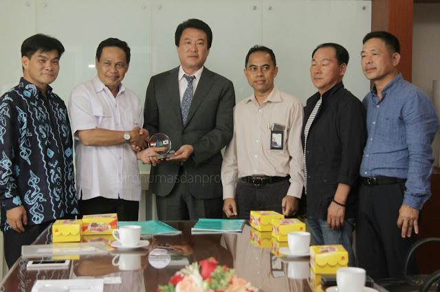 EKSPOS- Wakil Gubernur Kalsel H Rudy Resnawan menerima kunjungan dari perusahaan swasta asal Korea di Banjarbaru.