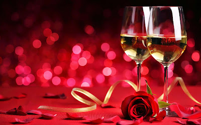 champagne-glasses-for-grand-love-party