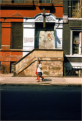 http://onlyoldphotography.tumblr.com/post/78830905410/walker-evans-new-york-streets-1957-59