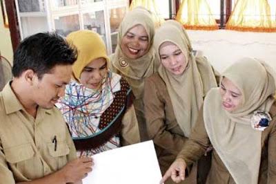 Belajar merupakan salah satu usaha guru dalam mempersiapkan anak didiknya agar menjadi generasi yang unggul.