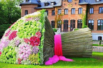 Keindahan Seni Gubahan Dan Rekaan Taman Bunga