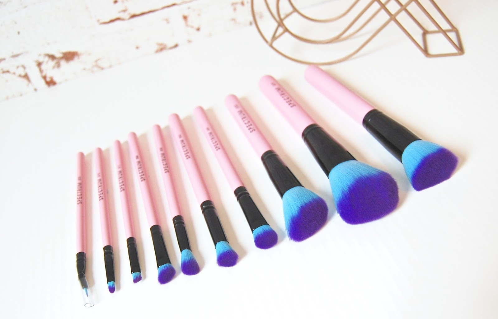 See my Spectrum brushes 10 peice collection review here