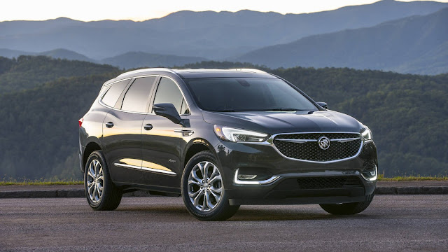 2018 New Buick Enclave Avenir Feel The luxury front view