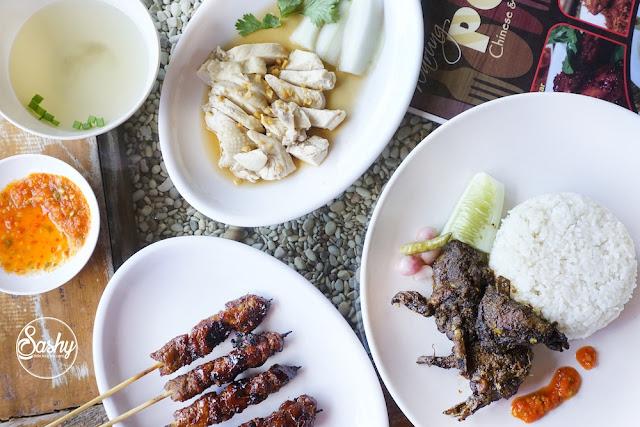 beberapa menu oriental dan Indonesia di Warung Popo - Kuta
