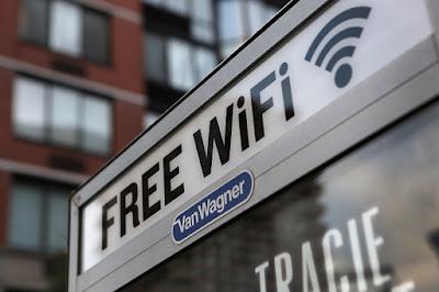 Wi Fi Hotspot on street