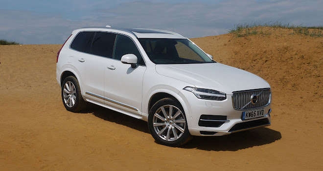 Volvo XC90 T8 front side view