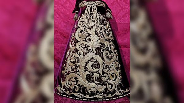 Una joya en forma de saya para la Virgen del Rosario de Córdoba