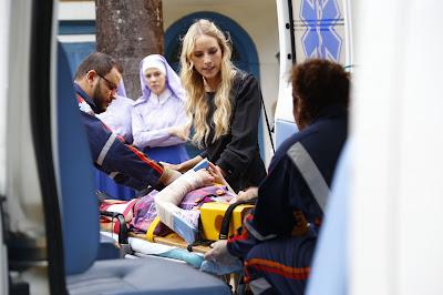 Nicole e Dulce na ambulância - Crédito: Rodrigo_Belentani/SBT