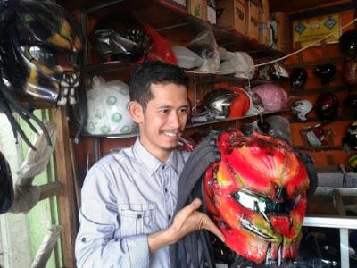 Bisnis Jualan Helm Predator lewat Online