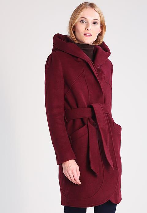 cappotto rosso scuro