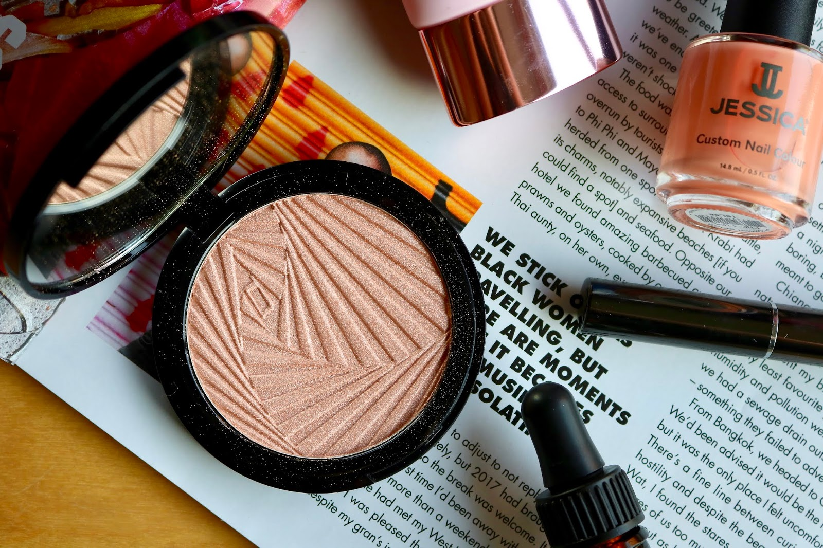 Mii Cosmetics highlighter in Leading Lady