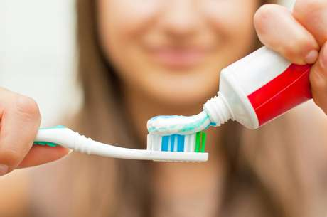 Como Clarear Os Dentes Rapido Em Casa Ale Canofre