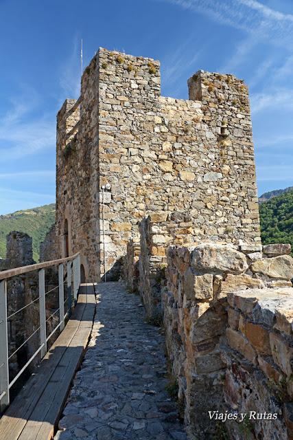 Castillo de Cornatel, el Bierzo, León