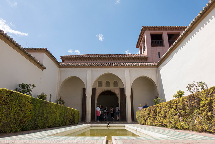 Courtyard garden of the Cuartos de Granada