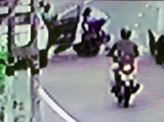 A big tragedy takes place with door being tried to open towards the road carelessly (CCTV)