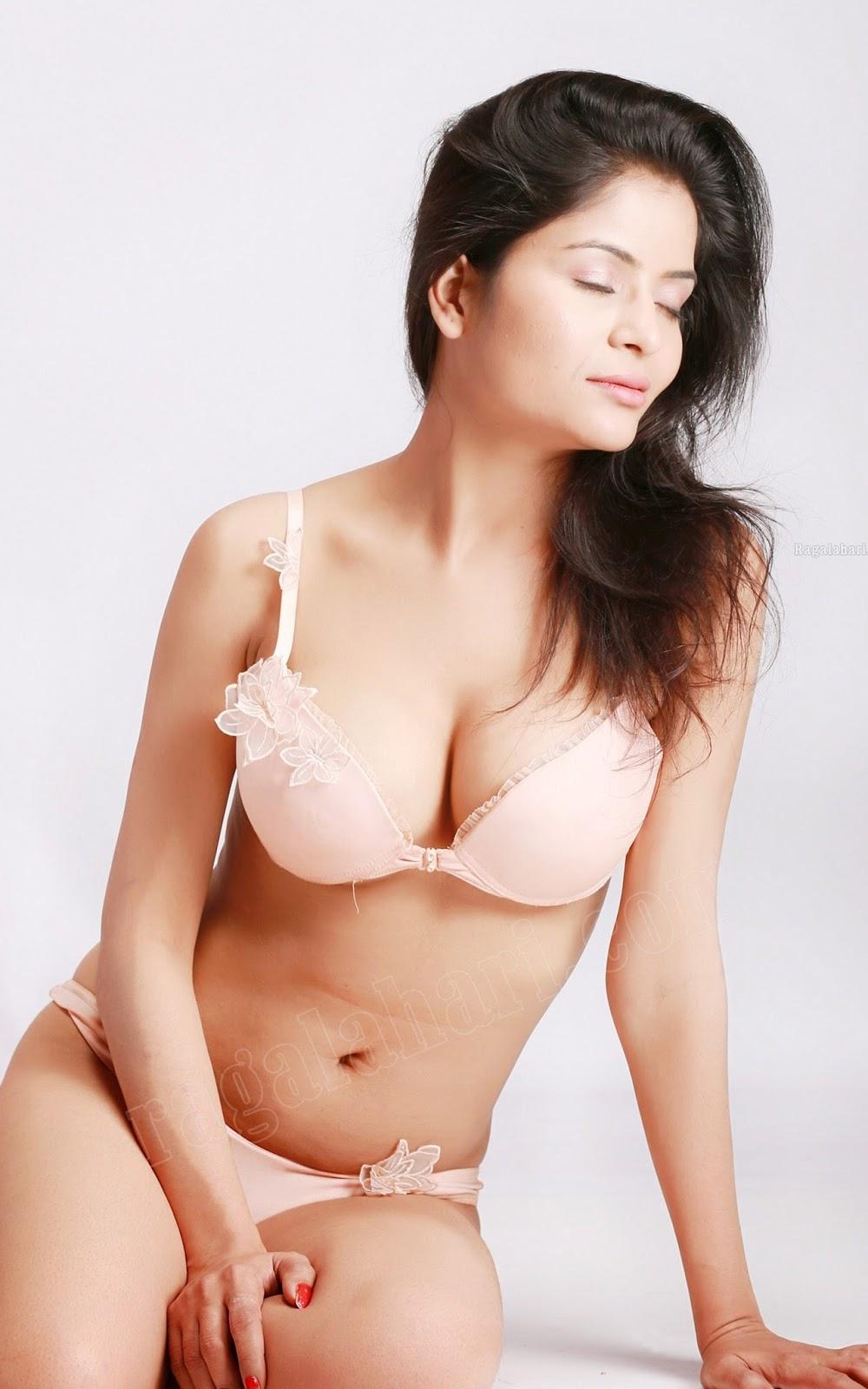 girl-gehana-vasisth-nude-tiny-butts-the