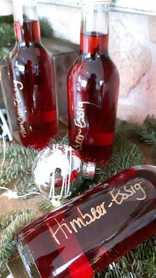 selbstgemachter Himbeeressig - Last-Minute-Weihnachtsgeschenk