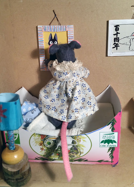 dolls house, maison de poupée, punk, kiki la petite sorcière