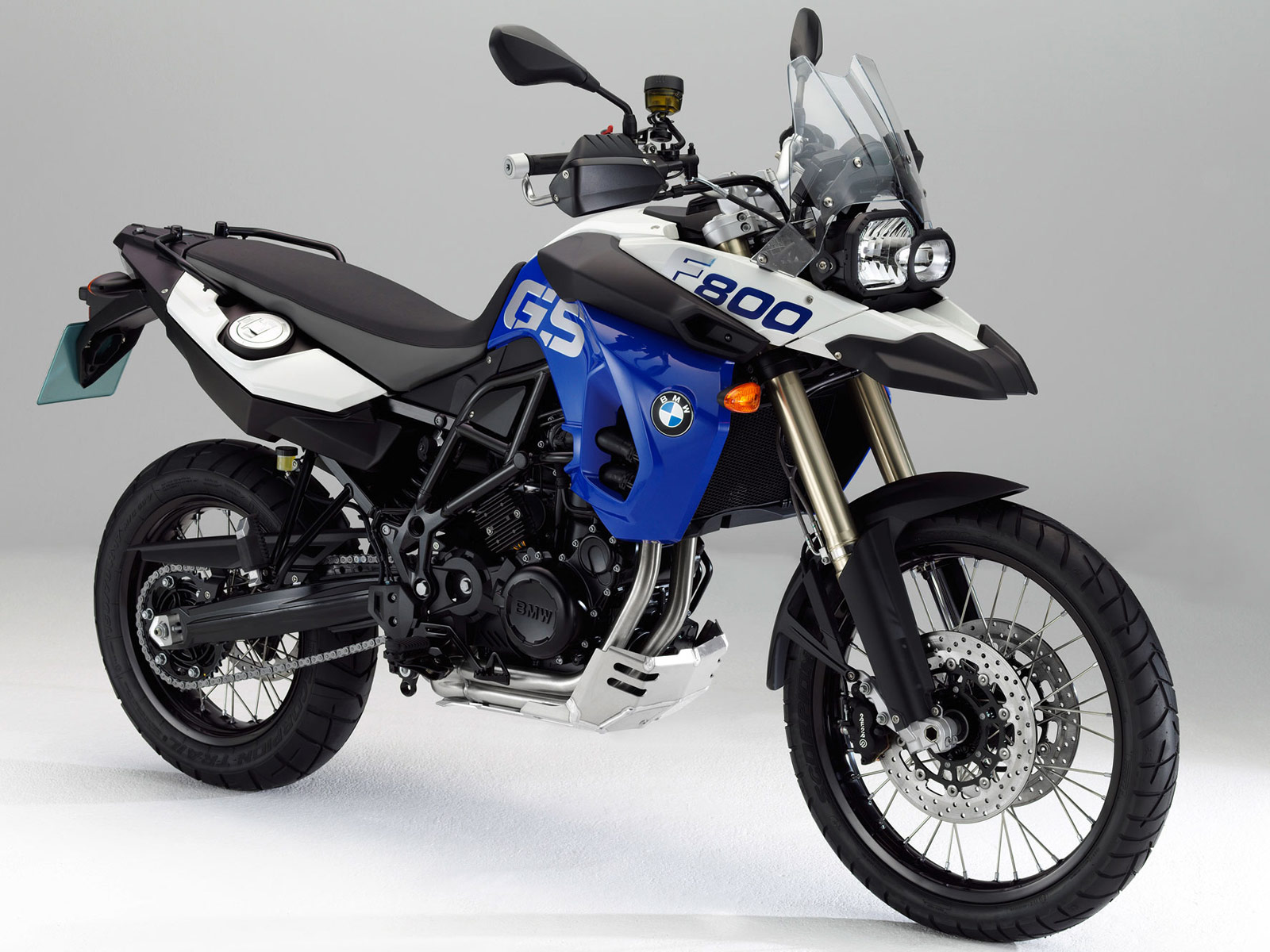 MOTORCYCLE SPECIFICATION: 2013 BMW F800GS Owners manual