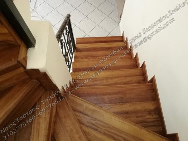 Επένδυση σκάλας με ξυλεία ιρόκο