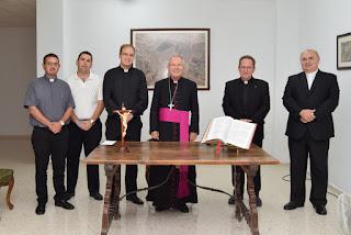 http://diocesisdejaen.es/el-sr-obispo-preside-la-toma-de-posesion-del-rector-y-el-vicerrector-de-los-seminarios/