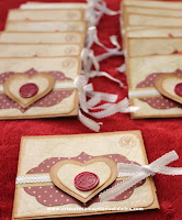 http://www.arteartesaniaymanualidades.com/2014/09/invitaciones-de-boda-scrapbooking-con.html