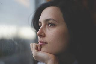 5 Kebiasaan Yang Bisa Membuat Wanita Sulit Sukses dan Berkembang