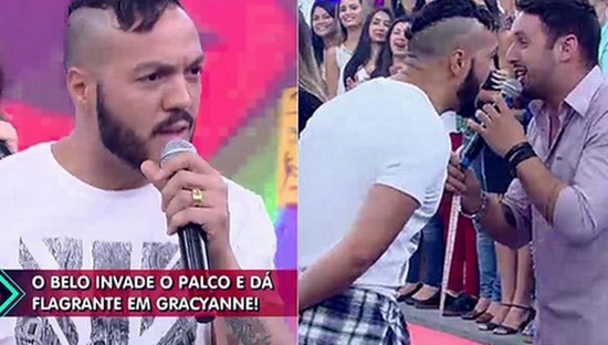 Belo invade palco do programa sabrina sato ao vivo