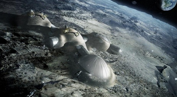 Η σελήνη είναι ένα καμουφλαρισμένο διαστημόπλοιο που επιβλέπει τον πλανήτη Γη; video