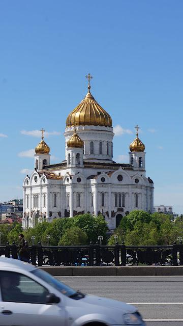 Фото Храма Христа Спасителя, вид с Берсенёвской набережной