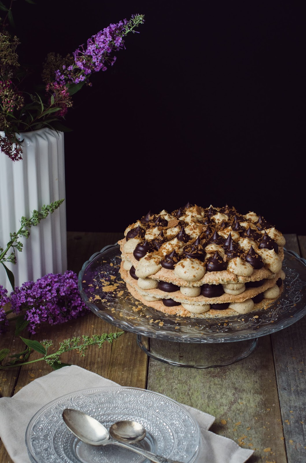 Dacquoise chocolat praliné façon layer cake