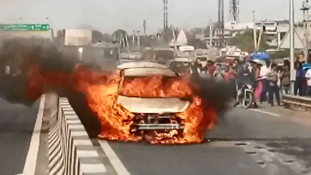 Ballabhgarh; On the highway, the fire in the moving car