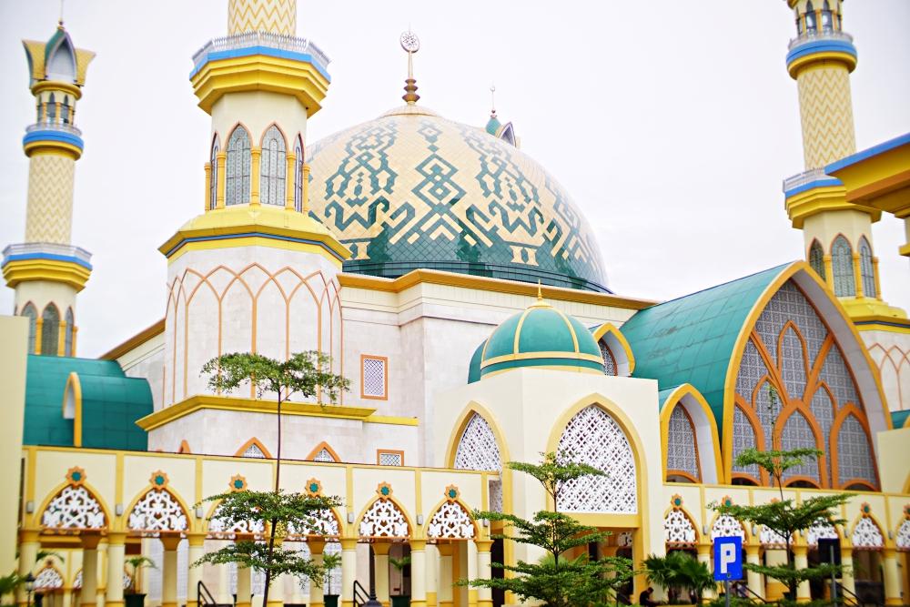 Hasil gambar untuk islamic center mataram