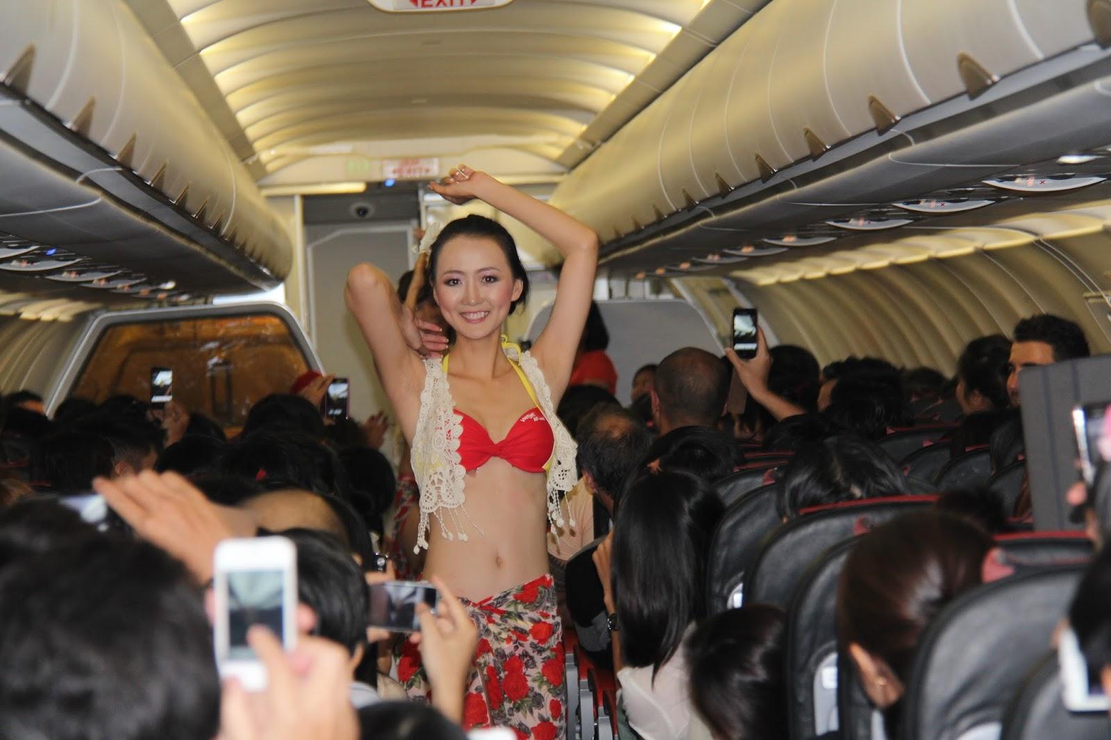 Секс на самолете с стюардеса, Секс в самолете - порно видео онлайн, смотреть порно 10 фотография