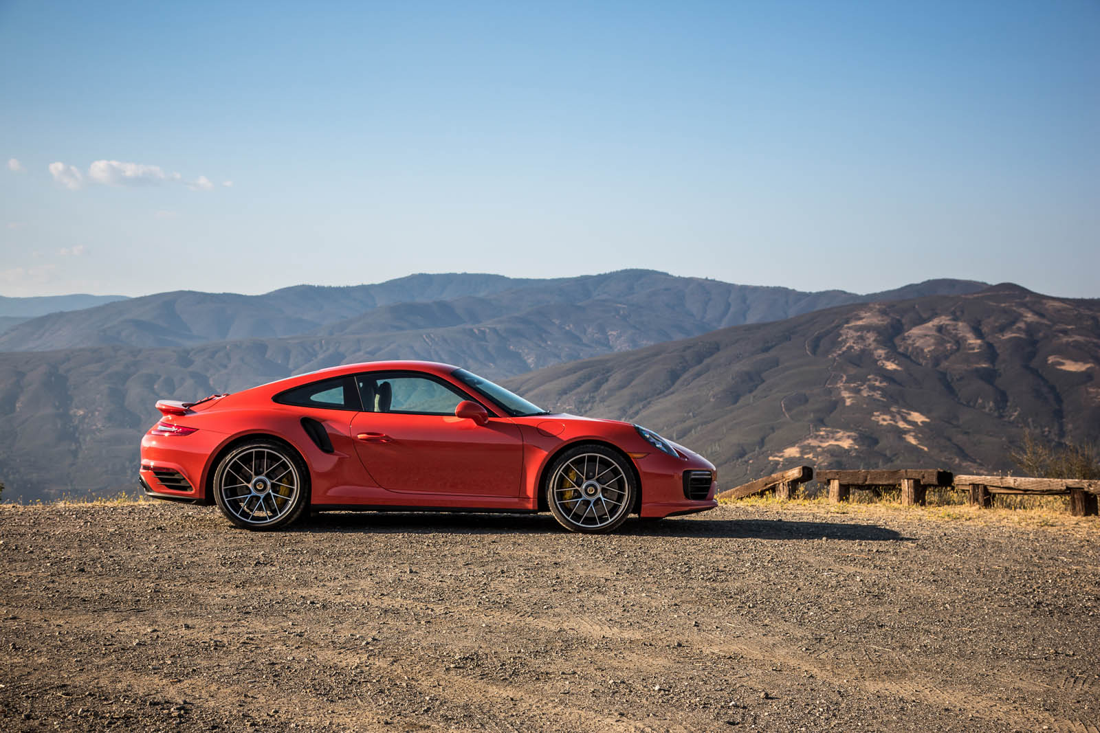 porsche 911 turbo s nearly as fast as 918 spyder around big willow. Black Bedroom Furniture Sets. Home Design Ideas