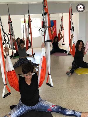 yoga aereo, aeroyoga, aeropilates, aero fitness, yoga, pilates, fitness, teacher training, aerial yoga, formacion, profesores, cursada, puerto rico, usa, rafael martinez