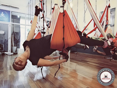 Columpio YOga Teacher Training, hamaca, hamac, balaçoire, trapecio, trapeze, swing, fly, flying, airyoga