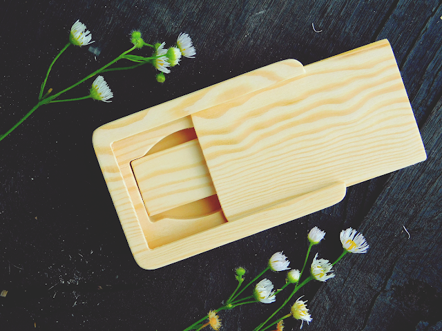 drewniane pudeło na pendrive, drewniany pendrive