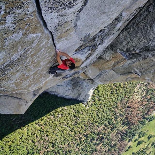 Conquista un muro de piedra de 1 kilómetro usando solo sus manos; es el ÚNICO en la historia