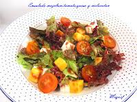 Ensalada mezclum,tomate, queso y melocotón